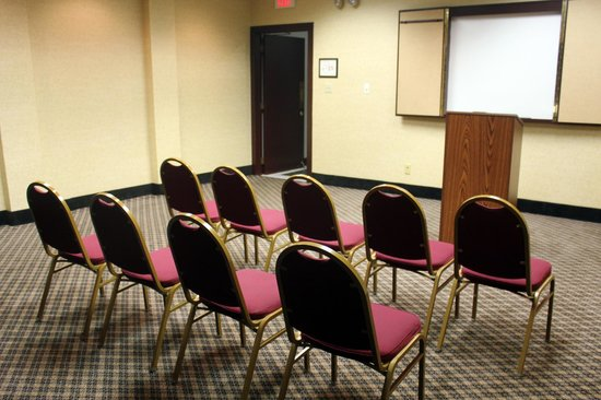Ramada Cortland Hotel and Conference Center: Yorkshire Room