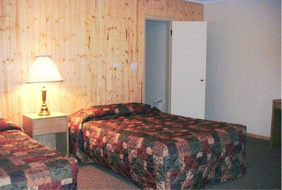 Sportsmen Inn: Our newly-remodeled rooms are comfy, clean, and affordable.