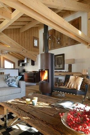 Chamois Lodge - The Alpine Club: Roof top living room