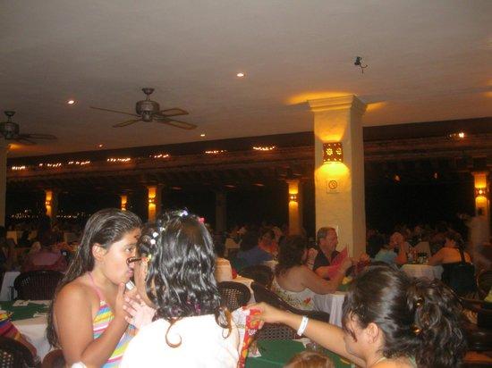هوتل بلايا مازاتلان: el restaurante 
