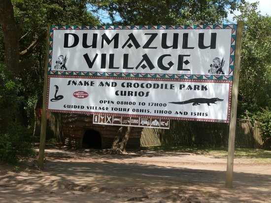 Gooderson DumaZulu Lodge and Traditional Zulu Village : Entrance to Lodge
