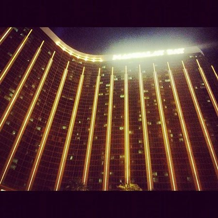 Four Seasons Hotel Las Vegas: Outside view
