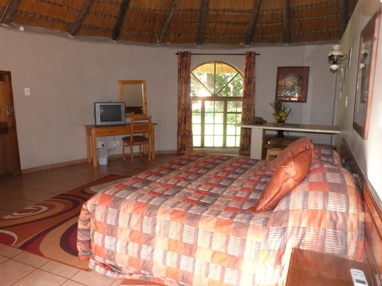 Gooderson DumaZulu Lodge and Traditional Zulu Village: Our room