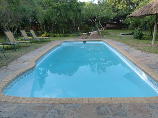 Gooderson DumaZulu Lodge and Traditional Zulu Village: Pool