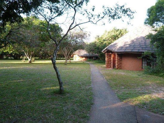 Gooderson DumaZulu Lodge and Traditional Zulu Village: Grounds