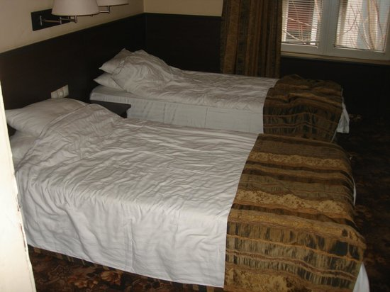 Hotel The House: bedroom