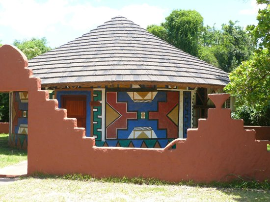 Gooderson DumaZulu Lodge and Traditional Zulu Village: One of the rooms