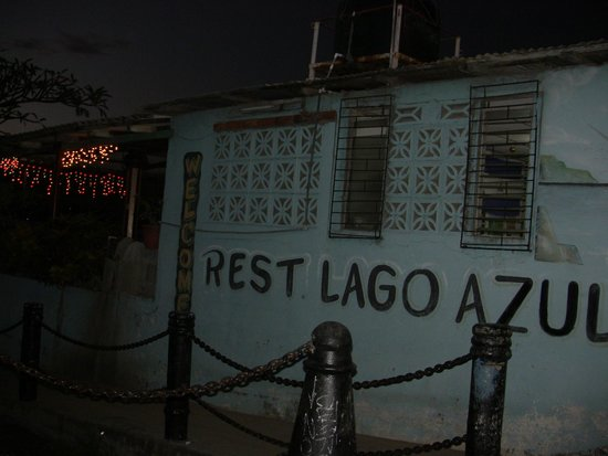 Restaurante Lago Azul: Outside view 2