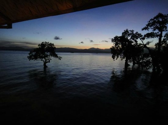 Badjao Inn & Restaurant: sunset mangrove view
