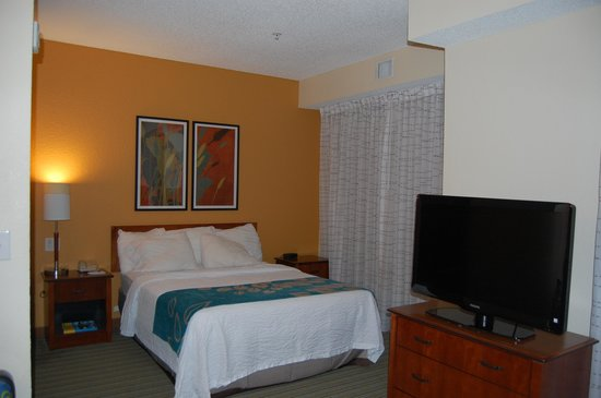 Residence Inn Fort Smith: Queen-Size Bed