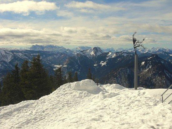 Hotel Hubertus Garni: Winterliches Bergpanorama vom Rauschberg