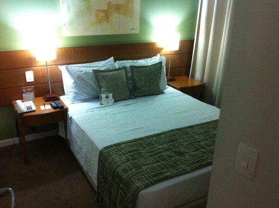Quality Suites Long Stay Bela Cintra: quarto