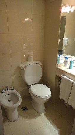 Loi Suites Arenales Hotel: banheiro - 2