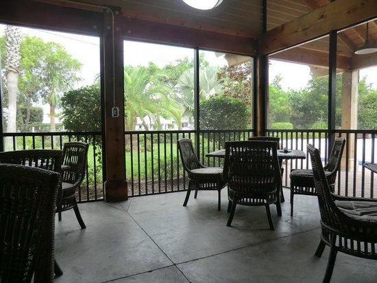 Sweet Melissa's Cafe: dining on the veranda