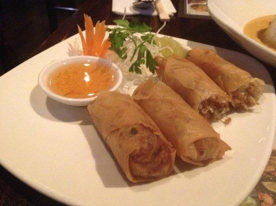 Hugo's Lounge: Pancake rolls