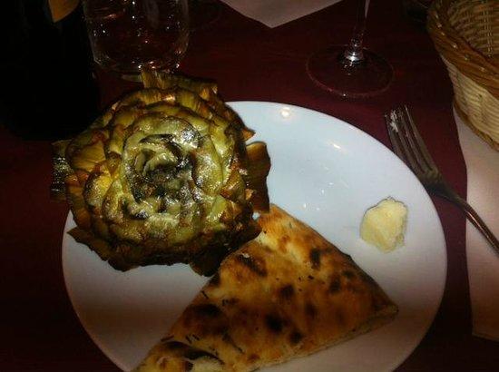 Gli Specialisti: Vero Carciofo alla romana con pane pizza! Ottimo!