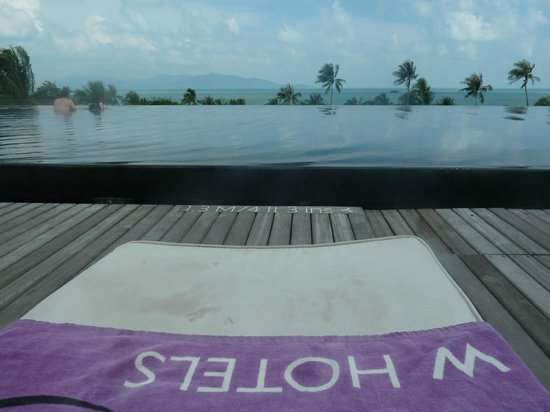 W Koh Samui: A pool that looks like an ipad.