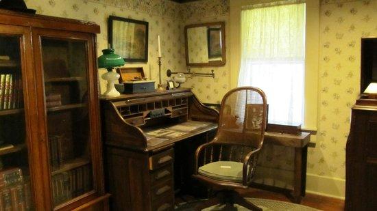 Gaslamp Museum at the Davis-Horton House: study