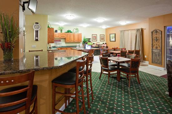 GrandStay Residential Suites Hotel St Cloud : Breakfast Area