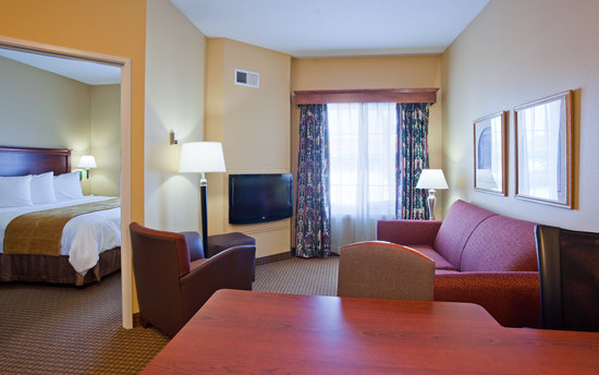 GrandStay Residential Suites Hotel St Cloud: King and Queen Suites