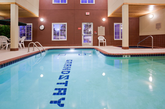 GrandStay Residential Suites Hotel St Cloud: Pool and Whirlpool