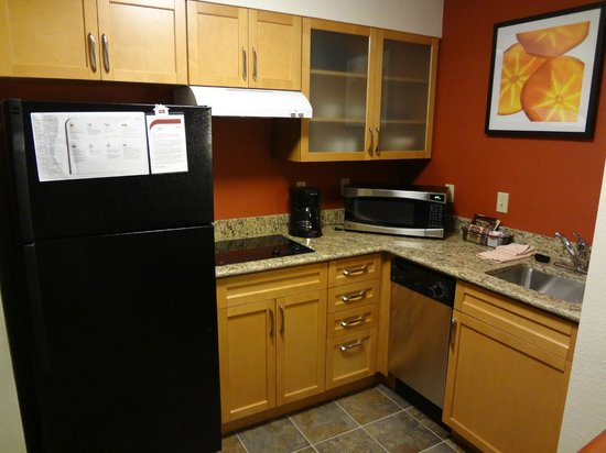 Residence Inn San Antonio Downtown/Alamo Plaza: Kitchen