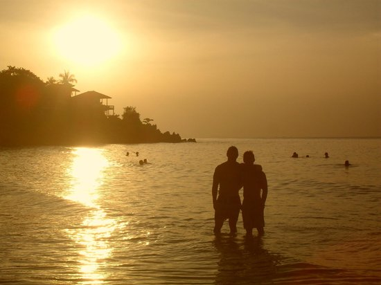 Sandy Bay Bungalows: Sunset