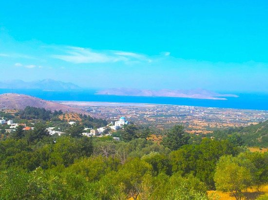 Nissia Kamares Hotel Apartments: View of Kos from Zia