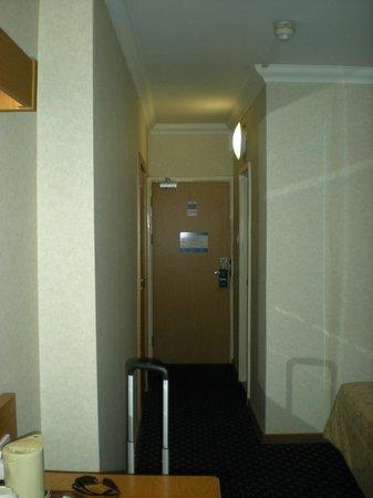 โรงแรมรอยัล เนชั่นแนล: Corridoio