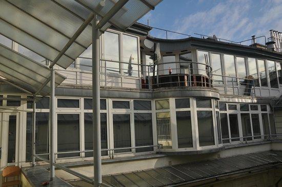 Carpe Noctem Vitae : a heavenly hostel + a great view