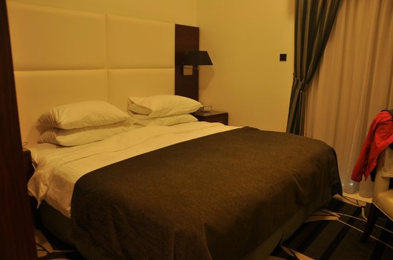 Ramada Hotel & Suites Sharjah: спальня