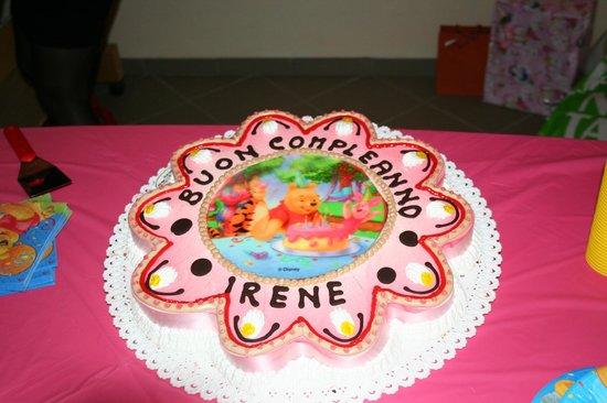 Torta Buon Compleanno Winnie The Pooh Foto Di Pasticceria D Arte