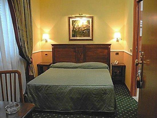 Aurora Garden Hotel : Stanza 226 2° piano