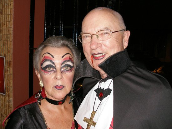 Tippy Toes: Mr & Mrs Dracula take first prize