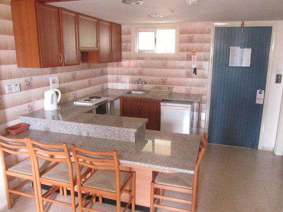 هيليوس باي هوتل أبارتمنتس: one-bedroom living room