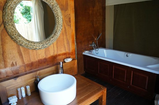 Zizi Lodge Leisure Bay: Bathroom