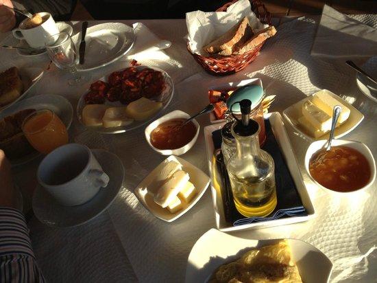 Casa de Trillo: desayuno variado y con productos caseros