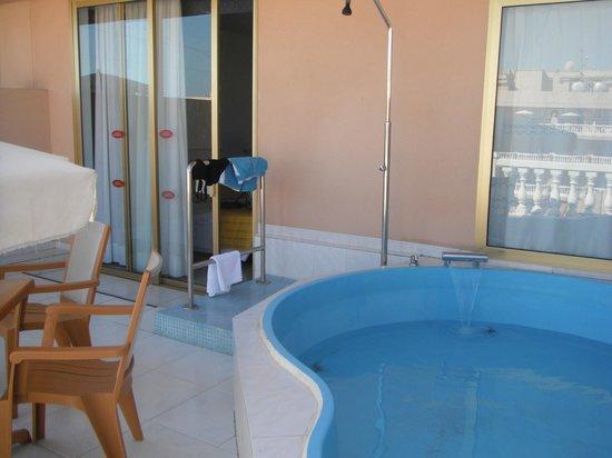 Cleopatra Palace Hotel: Balcony Area