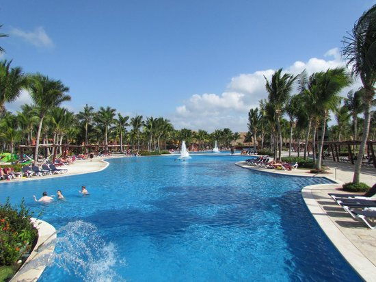 Barcelo Maya Tropical: pools
