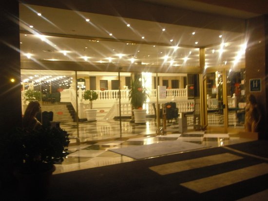 Cleopatra Palace Hotel: Hotel Lobby
