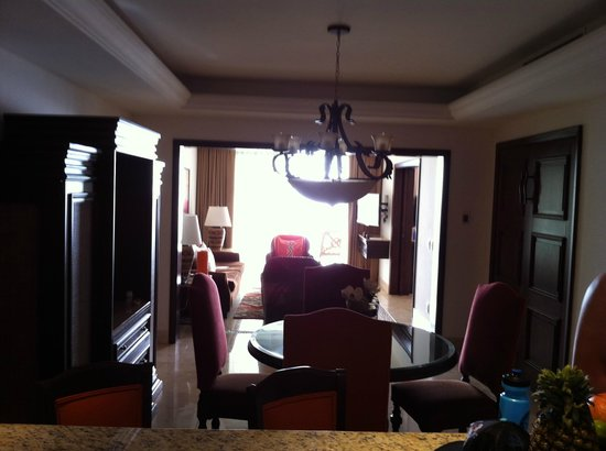 Grand Solmar Land's End Resort & Spa: looking into the dining room living room
