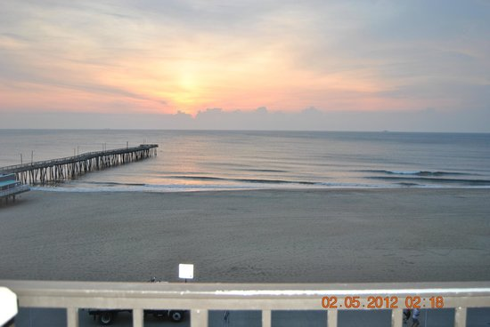 Four Points by Sheraton Virginia Beach Oceanfront: Room view