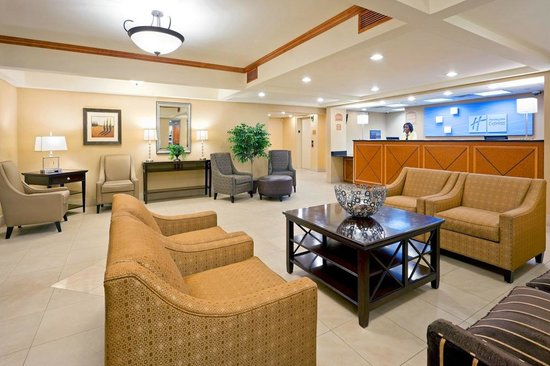 Holiday Inn Express Hotel & Suites West Long Branch: Holiday Inn Express West Long Branch Lobby