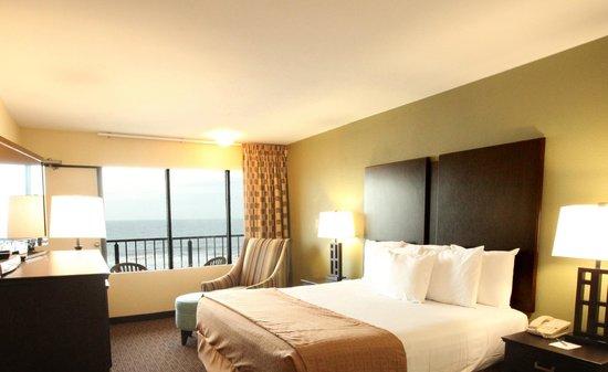 Surfside Oceanfront Inn & Suites : King Room