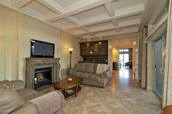 Lakeview Memories B&B: Private Living Room