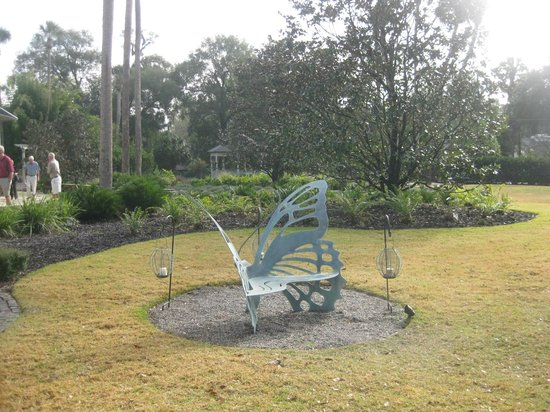 Stetson Mansion: Quirky little butterfly bench in front yard