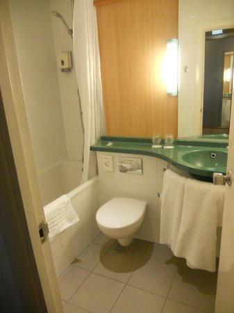 Ibis London Earls Court: bagno