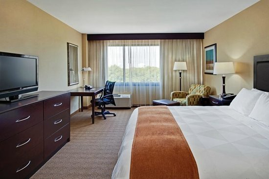 Radisson Hotel Freehold: King Room