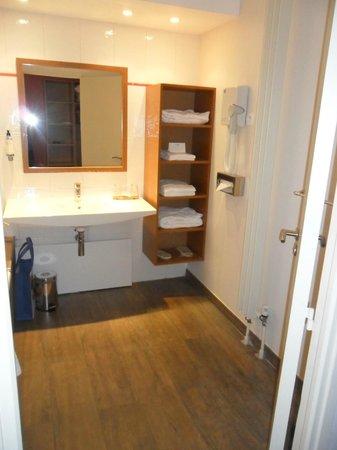 BEST WESTERN L'Oree: Salle de bain
