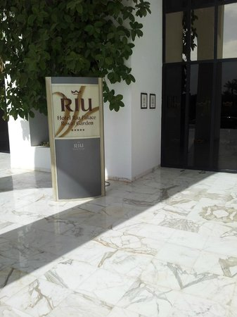 Hotel Palace Royal Garden: Accueil